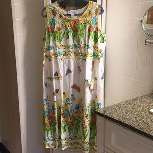 Beautiful light shift dress.. great for Florida
